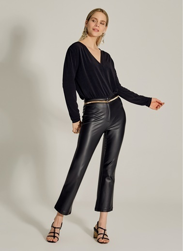 NGSTYLE Alttan Çıtçıtlı Bluz Siyah